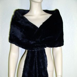 S.L. Fashions NWT New York Black Faux Fur Wrap